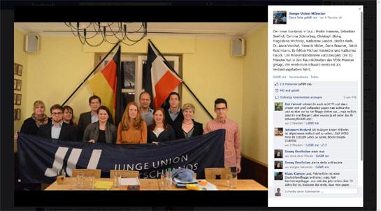 Junge Union Münster vor der Reichsflagge