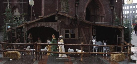 Weihnachtsmarkt Gelsenkirchen: Ein Krippe empfängt die Besucher