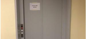 Leiche im Fahrstuhl des EVK