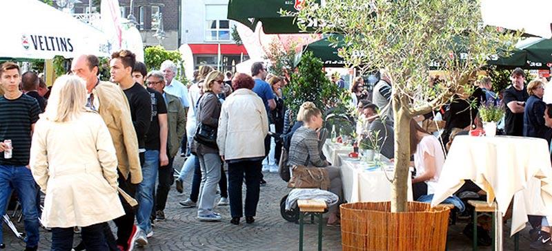 """In Recklinghausen fand vom 29.07.2015 bis zum 02.08.2015 das Gourmetfest """"Zu Gast in Recklinghausen"""" statt. Ein jedes Jahr ist dieses traditionelle Event gut besucht. Wäre ein solches nicht auch etwas für Gelsenkirchen?"""