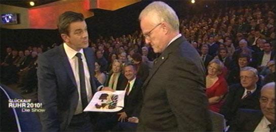 Markus Lanz im Gespräch mit Jürgen Rüttgers. Im Hintergrund Frank Baranowski.