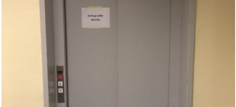 Wie gelangt man eigentlich in einen stillgelegten Fahrstuhl?