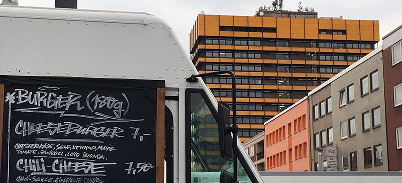 Erfolgreicher Start des Street-Food-Marktes auf dem Heinrich-König-Platz